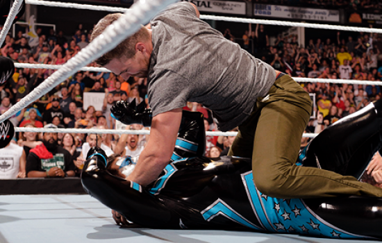Photos: Neville vs King Barrett at WWE Raw (August 10th)