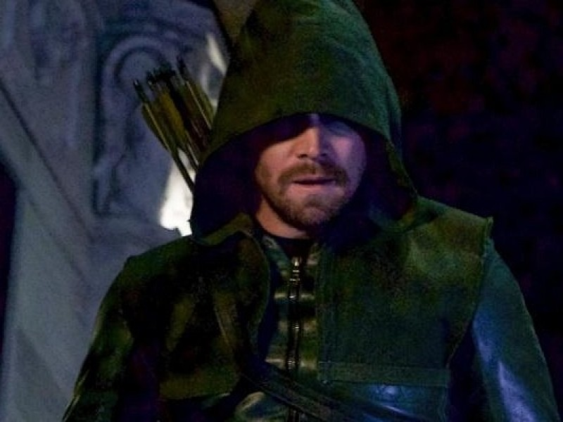 Arrow: 6×18 'Fundamentals' Video Inside