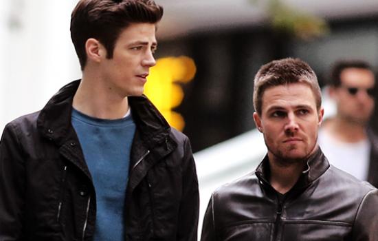 Photos: Arrow/The Flash/Legends of Tomorrow On Set – October 30th 2015