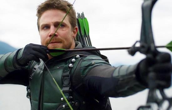 'Arrow' 5×23 'Lian Yu' Stills & Screencaps
