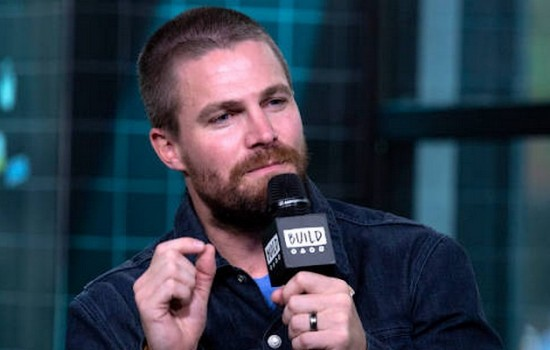(Photos & Videos) Stephen Amell Visit AOL Build at Build Studio